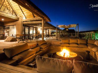 Explore Nambiti Hills Game Lodge